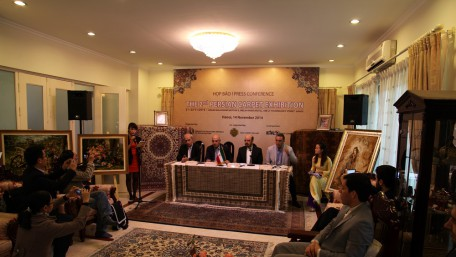Press Conference @ Persian Carpet Exhibition